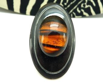 Grosse Bague noire et orange tigré ovale verre et corne ethnique et minimaliste OVILDA TIGRINE réglable ajustable
