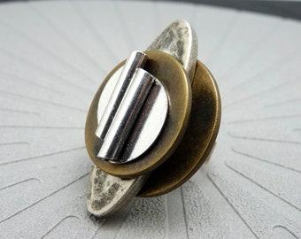 Grosse Bague argent et bronze métal et résine métallisé ronde et longue graphique minimale FUTURIA réglable ajustable
