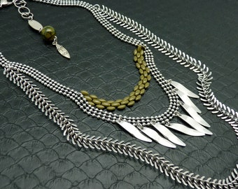 Ethnic plastron necklace 3 rows silver and khaki metal and jewel of back in stone agate dragon vein ASHBAL