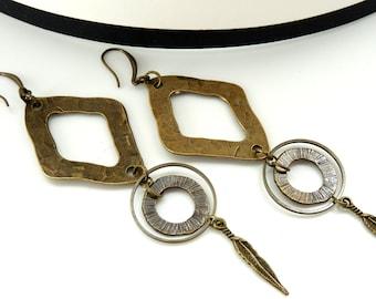 Boucles d'oreilles longues en métal bronze martelé CHEYENNE option Clips Best seller