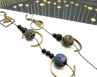 Boucles d'oreilles asymétriques pierres de lave arc-en-ciel métallisées et noires, métal bronze demi-lune REVEUSES option clips Best seller