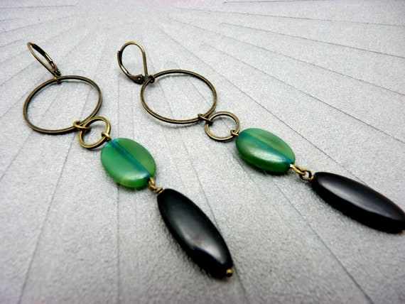 Long black horn and green tinted earrings, minimal ethnic chic bronze metal DARLENE option clips