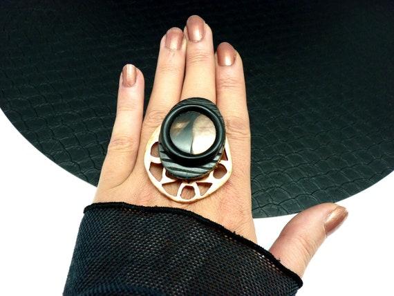 Large black horn ring, copper open metal and mother-of-pearl, ethnic ADJUSTable adjustable MIZOYA adjustable