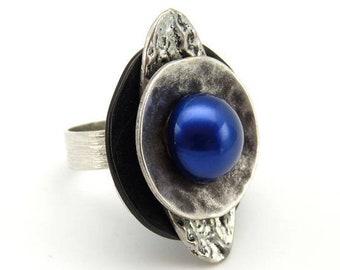 Bague métal argent et noir résine bleue indigo SOUCOUPE