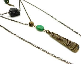 Collier long sautoir multi chaîne bronze pendentif pierre brute tourmaline noire et turquoise LEKTRA