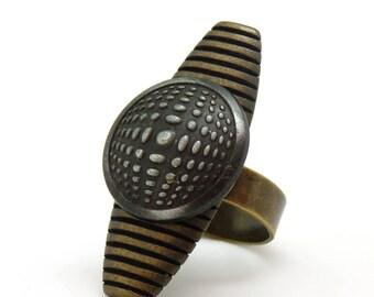 Bague longue en métal motif Vasarely KALEÏDOSCOPE réglable ajustable