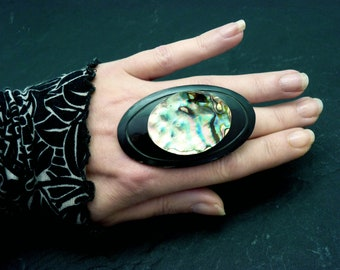 Huge rainbow abalone mother-of-pearl ring, long oval in black horn BIG OVILDA adjustable adjustable