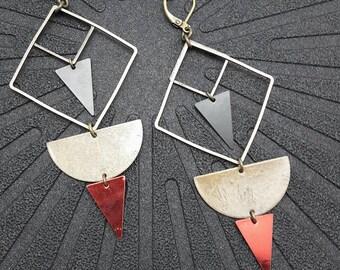 Boucles d'oreilles géométriques bronze noir et rouge en métal graphique GEO option Clips Best seller