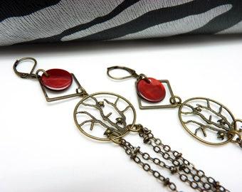 Boucles d'oreilles très longues et légères en métal bronze et nacre rouge  FULL LIFE option Clips