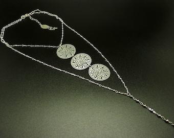 Collier long argent en métal forme Y pendentif rosace APHRODITE Best seller