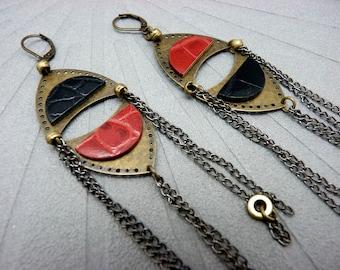 Boucles d'oreilles Longues en métal bronze cuir noir et rouge reptile chaînes canon de fusil ethnique  ZOULOVE option clips