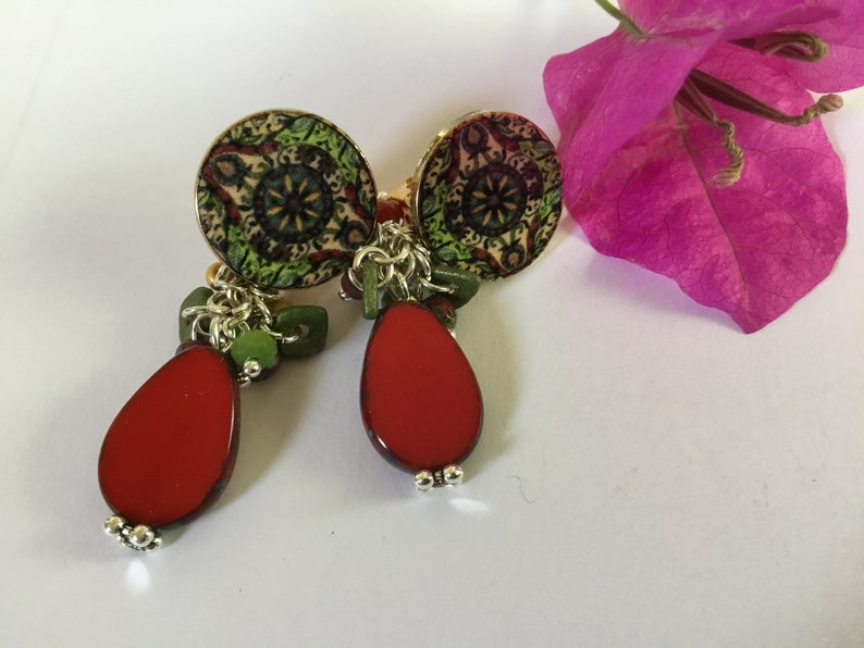 rosace shape Earrings clips Burgundy beige golden metal Czech Pearl boho oval bright red vintage air shades of green