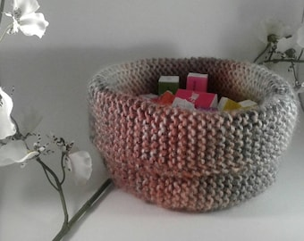 HAND MADE WOOL BASKET THINK WAS THE MOTHER'S DAY