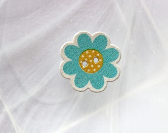 button wood turquoise flower
