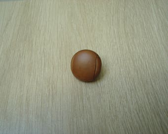brass tail caramel leather button