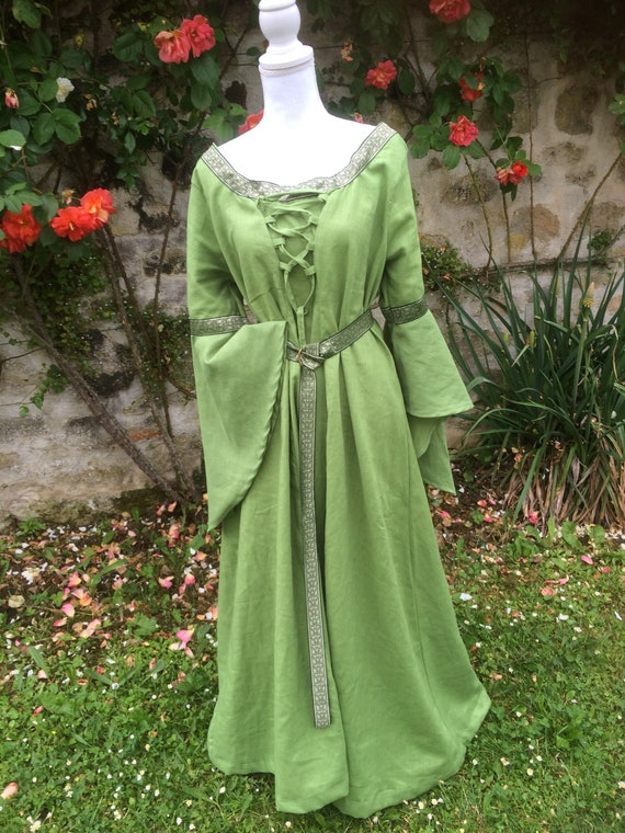 Medieval linen dress with loose sleeves, lace front and back