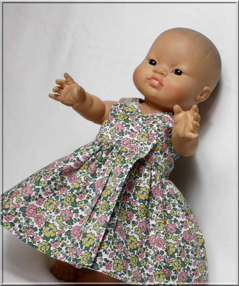 Heart-covering dress and panties for baby 3034 cm