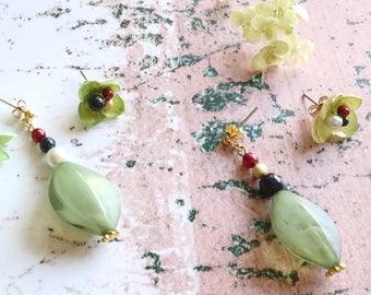 Hydrangea earrings with Blue Sandstone (white) - Asymmetrical earrings, Green real flower earrings, Flower earrings, Flower resin jewelry