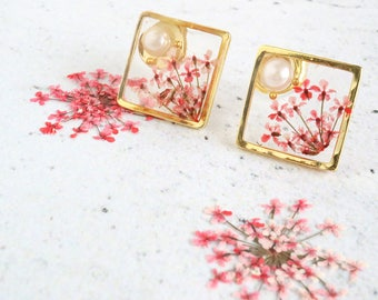Red Queen Annes lace earrings with pearl - Real flower earrings, Flower earrings, Flower resin jewelry, Real Queen Annes lace, Small stud