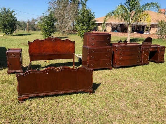 Vintage Mahogany Bedroom set, complete matching set with mirrors