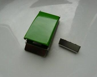 Green metal buckle 25 mm