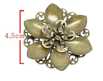 Embellishment model B bronze tone flower size approximately 4.5 cm