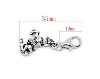 Horse silver clip. For lovers of riding size approximately 35mm.