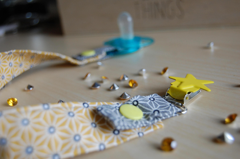 attache t tine jaune et grise pince toile jaune etsy. Black Bedroom Furniture Sets. Home Design Ideas