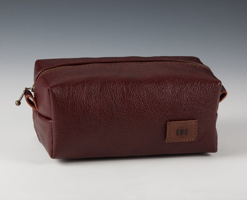 20a6800161 Thick Italian Leather Dopp kit Personalized travel bag