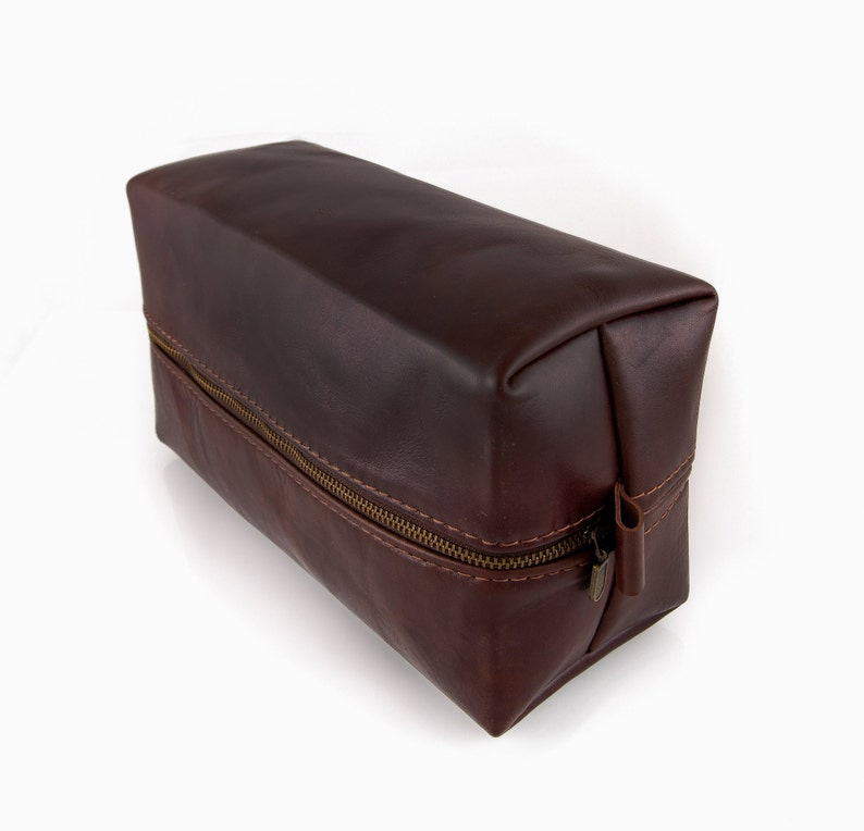 Pull up Leather Toiletry bag Personalized Dopp kit Large  81ec02fa154fd