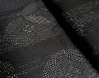 Japanese traditional motif, black background, cotton 110 x 50 (180 (A)