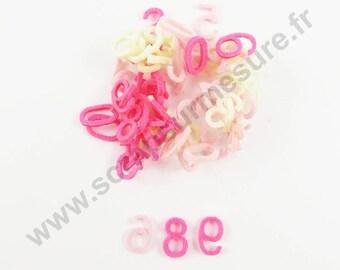 Felt - NUMERAL ROSE ivory 15 mm - x 66 pcs