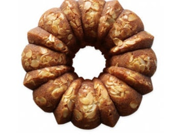 GOURMET RUM CAKE