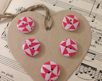 5 boutons bois figures géométriques rouges