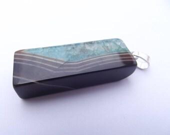 tinted rectangular shaped TOGA 772 Agate pendant