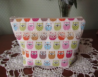 """""""Zippered pouch ' to owls"""""""