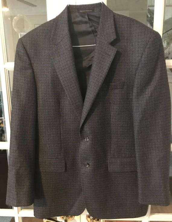 Black//White Chaps Mens Classic Fit Herringbone Sport Coat Blazer