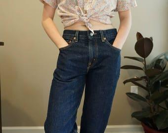 Levi high-waisted jeans.