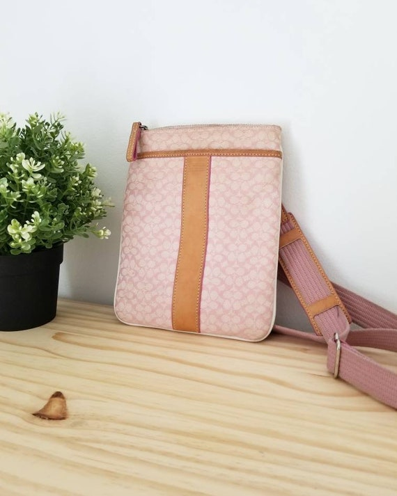 Vintage Coach crossbody | pink purse | crossbody b