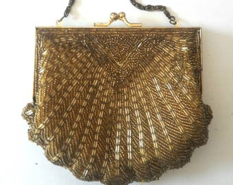 VINTAGE 50's SCALLOP Gold Beaded Frame Purse