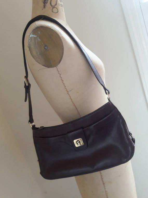 1b5a0a419aab VINTAGE 70 s OXBLOOD Leather Saddle Bag Shoulder Bag