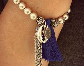 Tibetan bracelet, Women's Silver Bracelet, Ethnic Bracelet, Breloque Bracelet, Pom pom bracelet, Cauri bracelet, Boho bracelet, Zen bracelet