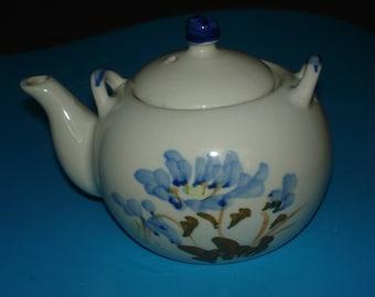 pretty little vintage ceramic teapot