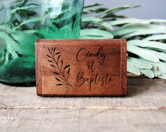 Custom wooden USB 3.0 box set ideal for storing your wedding photos