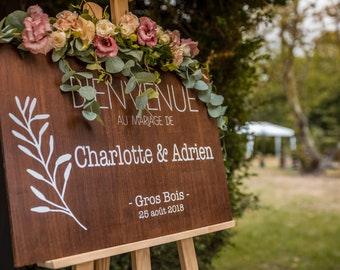 Personalised wooden welcome sign for your wedding