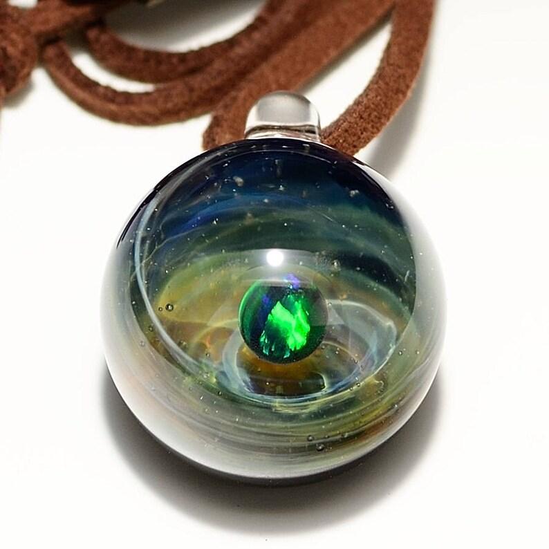 Soleggiato posto Infinite Space in a Small Glass Sphere RC Space Glass Pendant