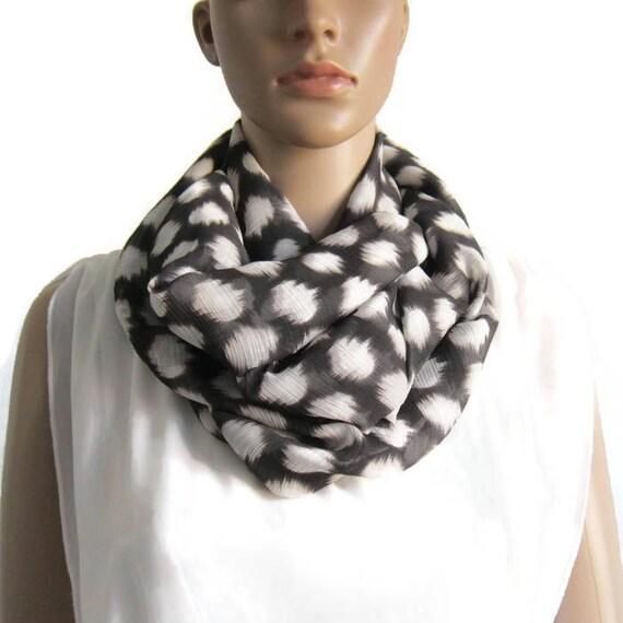 Snood double tour voile polyester noir et blanc écharpe   Etsy 128b8c8f467