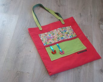 Tote bag raspberry with a large pocket in linen fabric and green floral, leather handles
