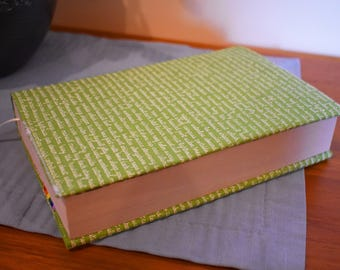 Green Adjustable Fabric Book Cover
