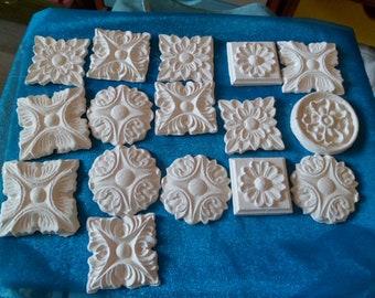 set of 16 roses in resin plaster paint varnish